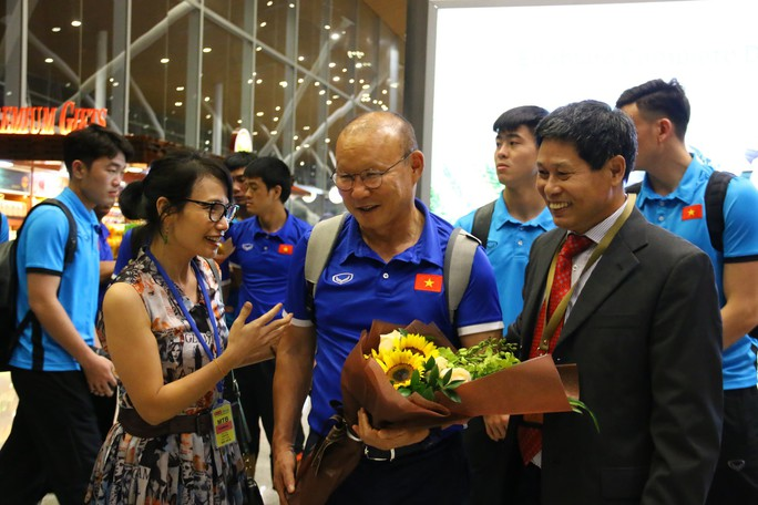 """Thủ tướng Malaysia """"tiếp lửa"""" cho đội nhà, HLV Park Hang-seo lạc quan - Ảnh 7."""