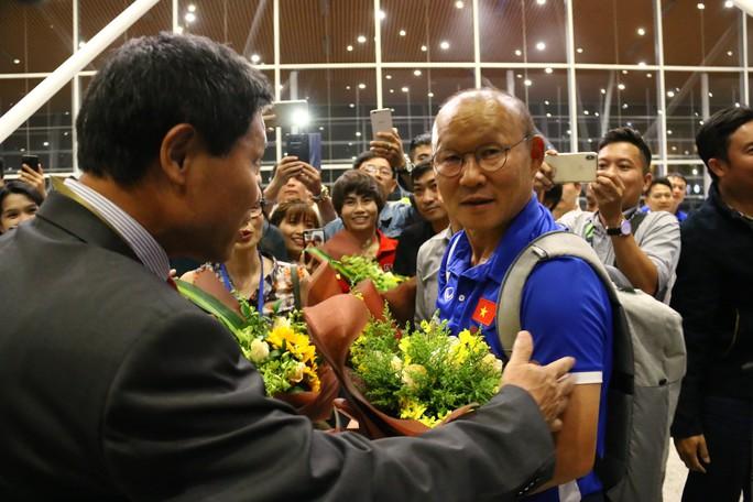 """Thủ tướng Malaysia """"tiếp lửa"""" cho đội nhà, HLV Park Hang-seo lạc quan - Ảnh 8."""