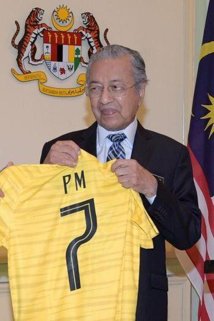 """Thủ tướng Malaysia """"tiếp lửa"""" cho đội nhà, HLV Park Hang-seo lạc quan - Ảnh 2."""