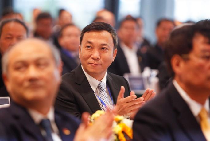 Các ông Trần Quốc Tuấn, Cao Văn Chóng và Cấn Văn Nghĩa đắc cử Phó chủ tịch VFF - Ảnh 1.