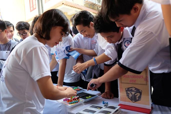 Ngày hội Toán học mở đến TP HCM - Ảnh 1.