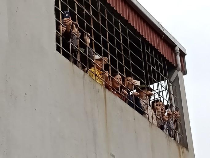 Vụ nổ ở Bắc Ninh: Nghe tiếng nổ chỉ còn biết trùm chăn cầu nguyện - Ảnh 6.