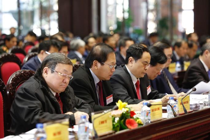 Bầu cử, điều động, luân chuyển 5 Ủy viên Bộ Chính trị, Ban Bí thư - Ảnh 3.