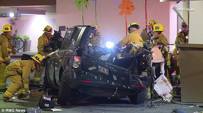 Thương tiếc vợ chồng nữ ca sĩ qua đời do tai nạn xe - Ảnh 2.