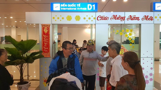 Gia đình xúc động đón cô dâu Việt từ Đài Loan về quê ăn Tết - Ảnh 7.