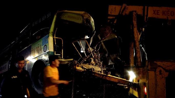 Tai nạn liên hoàn, 1 người chết, nhiều người nhập viện - Ảnh 1.