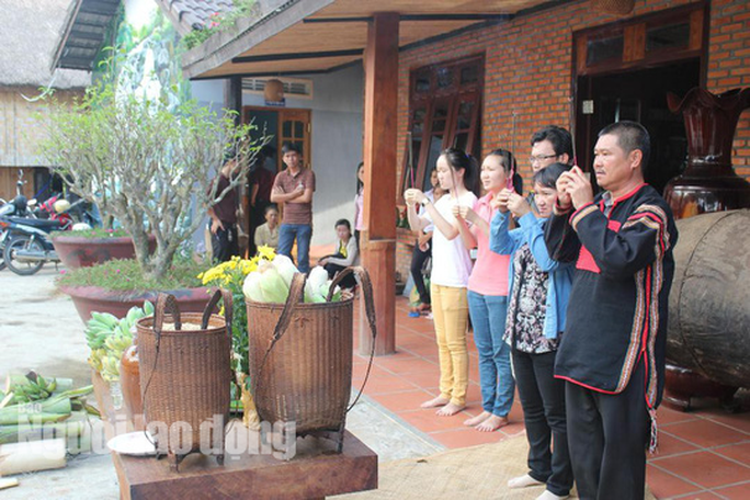 Độc đáo lễ cúng sức khỏe cho voi - Ảnh 3.