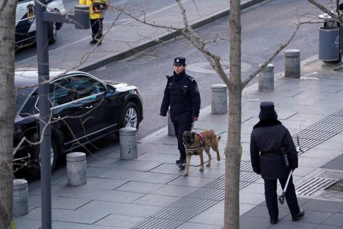 Tấn công bằng dao tại Bắc Kinh, 13 người thương vong - Ảnh 1.