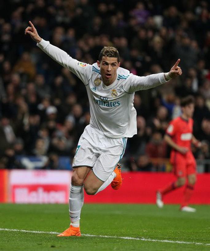Hat-trick Ronaldo đưa Real Madrid trở lại đường đua - Ảnh 4.