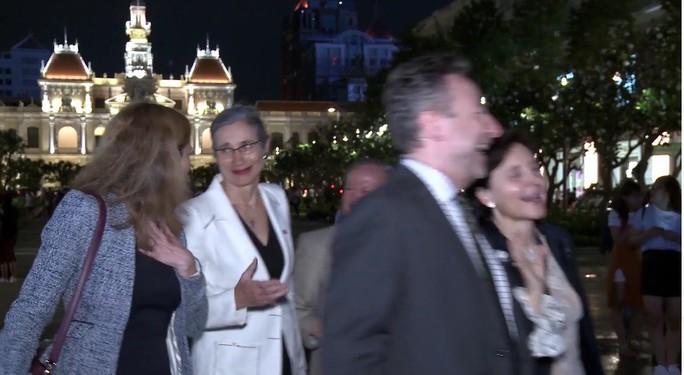 Các đại sứ châu Âu vào TP HCM du Xuân, đón Tết - Ảnh 4.