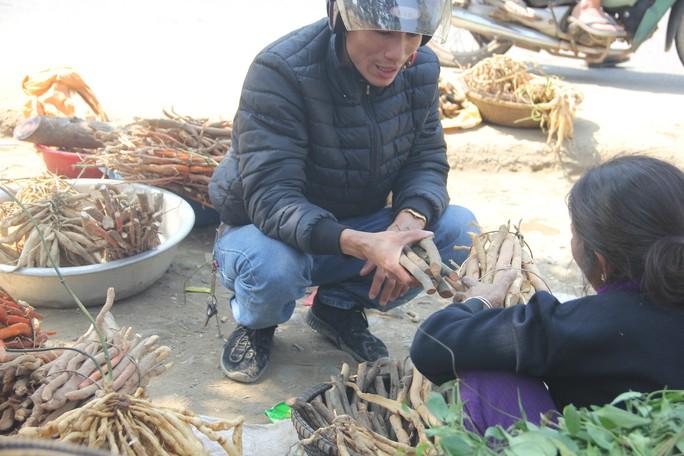 Độc đáo đi chợ vùng cao Quảng Trị ngày giáp Tết - Ảnh 1.
