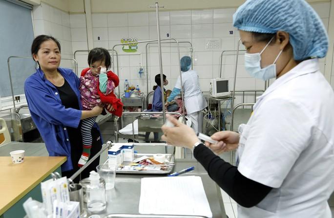(Xuanonline 29Tet 14.2) Tết Nguyên đán: Bệnh nhân nhận lì xì, ăn miễn phí - Ảnh 8.