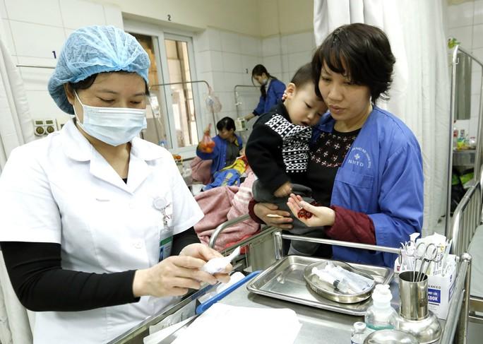 (Xuanonline 29Tet 14.2) Tết Nguyên đán: Bệnh nhân nhận lì xì, ăn miễn phí - Ảnh 9.