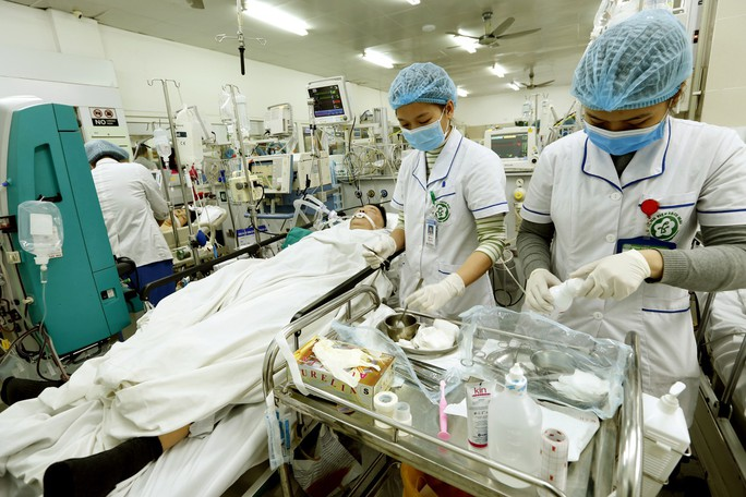 (Xuanonline 29Tet 14.2) Tết Nguyên đán: Bệnh nhân nhận lì xì, ăn miễn phí - Ảnh 13.