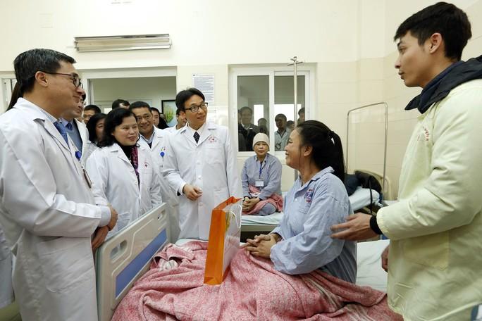 (Xuanonline 29Tet 14.2) Tết Nguyên đán: Bệnh nhân nhận lì xì, ăn miễn phí - Ảnh 3.