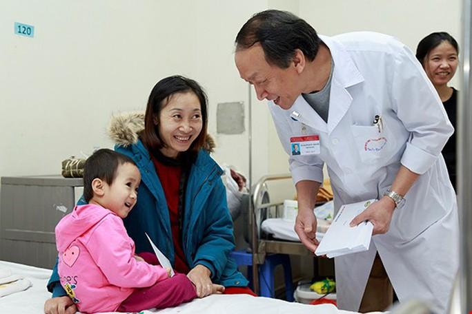 (Xuanonline 29Tet 14.2) Tết Nguyên đán: Bệnh nhân nhận lì xì, ăn miễn phí - Ảnh 22.