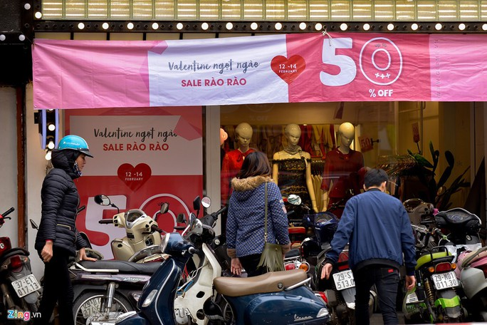 Thị trường quà tặng Valentine lu mờ vì không khí Tết - Ảnh 14.