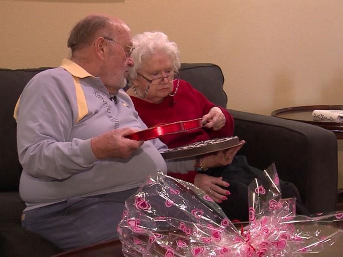 Vợ mất trí, chồng vẫn tặng quà Valentine - Ảnh 3.