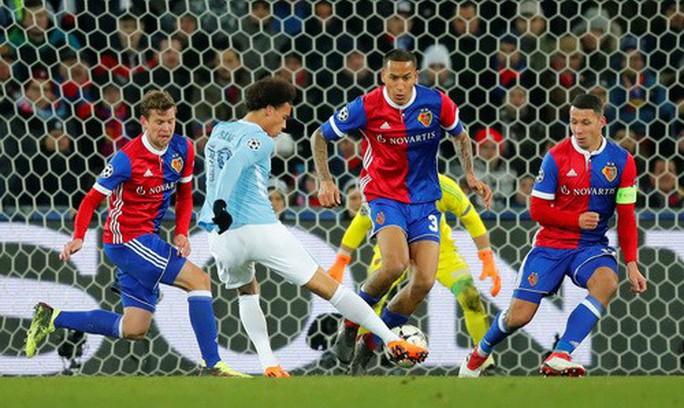 Tottenham ngược dòng lấy điểm Juventus, Man City đại thắng Basel - Ảnh 6.