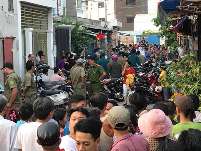 Thảm án chiều 30 Tết ở TP HCM, cả gia đình gục chết - Ảnh 1.