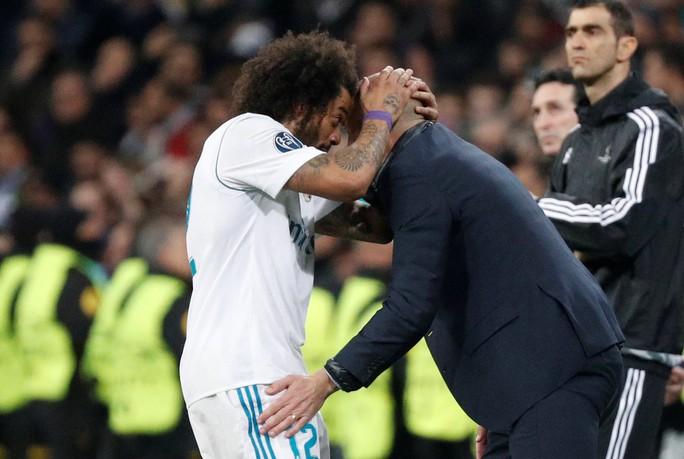 HLV Zidane cười tươi khi Ronaldo lập cú đúp đánh bại PSG - Ảnh 3.
