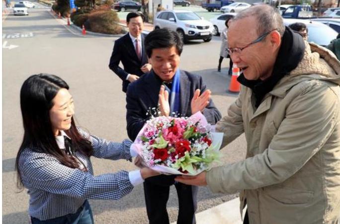 Tết vui nhất của nhà ngoại giao thể thao Park Hang Seo - Ảnh 4.