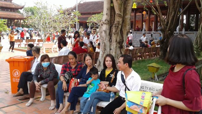 Mướt mồ hôi ở ngôi chùa lớn nhất miền Tây ngày mùng 1 Tết - Ảnh 29.