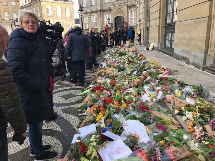TƯỜNG THUẬT TỪ COPENHAGEN: Lễ tang phu quân nữ hoàng Đan Mạch - Ảnh 2.