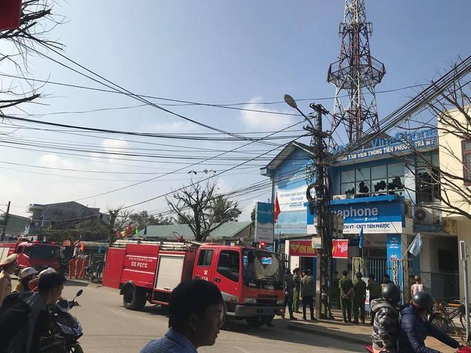 Cháy trung tâm viễn thông, mạng 3 huyện thất thủ - Ảnh 2.