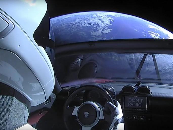 Xe điện không gian của Elon Musk có thể đâm vào trái đất - Ảnh 2.