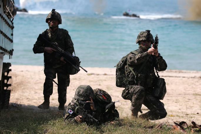 Cận cảnh Mỹ và 28 nước châu Á tập trận Hổ mang vàng - Ảnh 5.