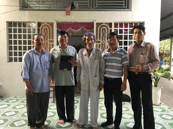 Ai đứng sau vụ người cha 84 tuổi bị con yêu cầu bỏ tù - Ảnh 2.