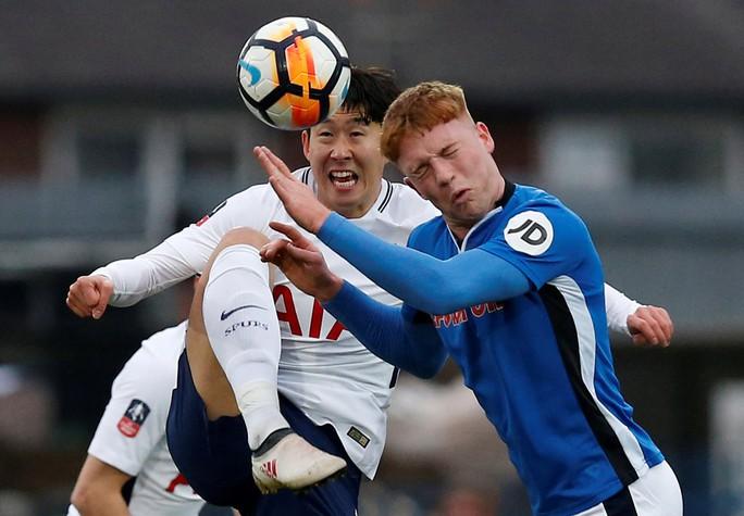 Tottenham bất ngờ bị đội bóng hạng 3 cầm hòa - Ảnh 1.