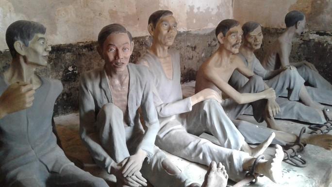 Đầu năm, tấp nập người viếng mộ chị Sáu và tham quan nhà tù Côn Đảo - Ảnh 14.