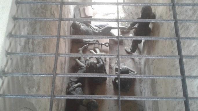 Đầu năm, tấp nập người viếng mộ chị Sáu và tham quan nhà tù Côn Đảo - Ảnh 22.