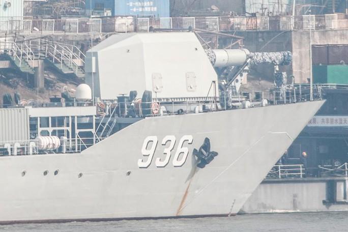 Bắt mạch bức ảnh Trung Quốc chĩa súng điện từ trên tàu Haiyangshan - Ảnh 1.