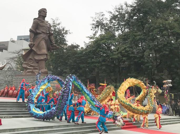 Thủ tướng dự Lễ hội Chiến thắng Ngọc Hồi - Đống Đa 2018 - Ảnh 2.