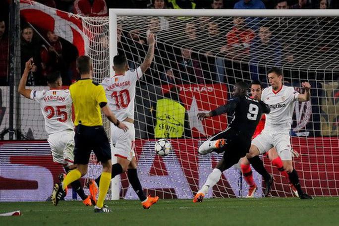 Người nhện De Gea tỏa sáng, Man United lấy điểm trước Sevilla - Ảnh 3.