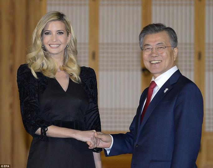 Thông điệp trong bữa tối tổng thống Hàn Quốc mời Ivanka Trump - Ảnh 1.