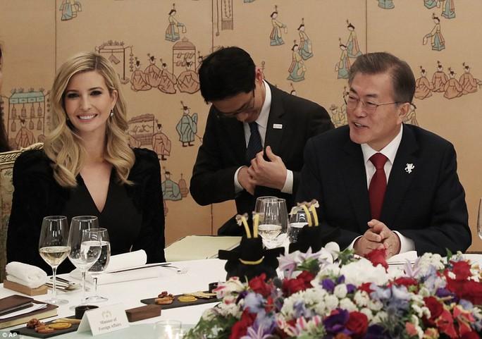 Thông điệp trong bữa tối tổng thống Hàn Quốc mời Ivanka Trump - Ảnh 2.