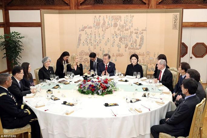 Thông điệp trong bữa tối tổng thống Hàn Quốc mời Ivanka Trump - Ảnh 3.