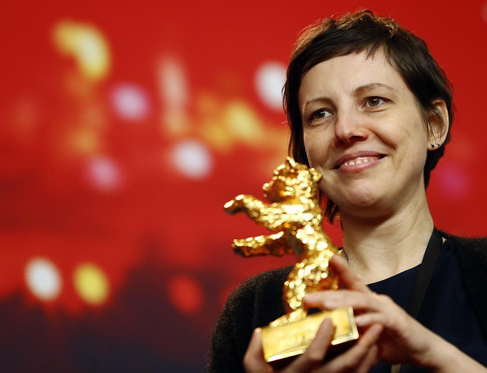 Phim có cảnh tình dục gây sốc thắng giải Gấu vàng - Ảnh 1.