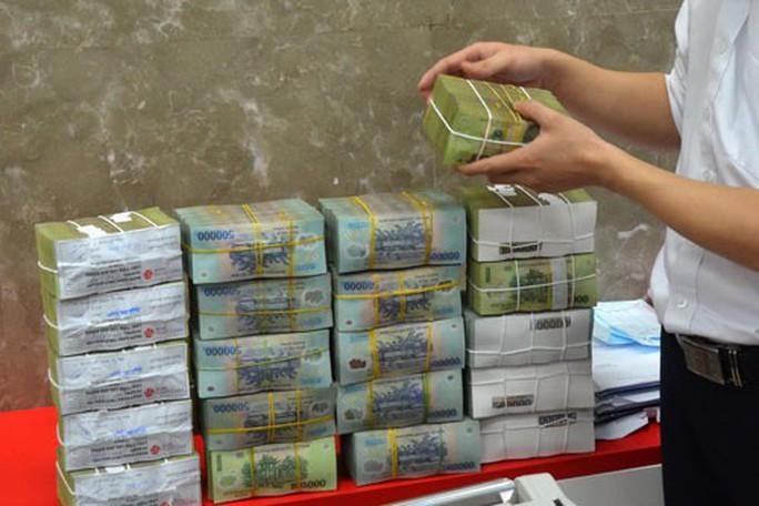 Vụ bốc hơi 301 tỉ đồng ở Eximbank: Khách hàng VIP sao lại mất tiền? - Ảnh 1.