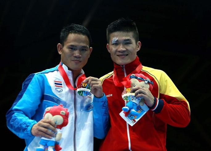 Nam vương boxing Việt sẵn sàng đấu võ sư Flores - Ảnh 3.