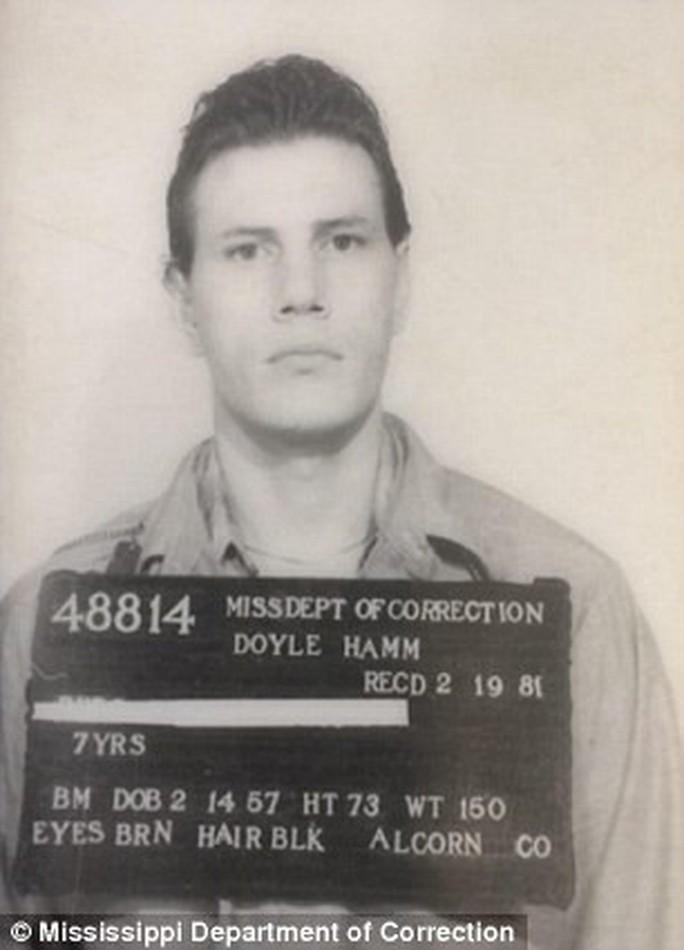 Bị tiêm thuốc độc, tử tù thoát chết vì không tìm thấy ven - Ảnh 3.
