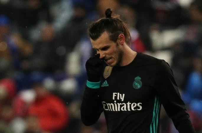 Gục ngã phút bù giờ, Real Madrid hết đường trở lại La Liga - Ảnh 3.