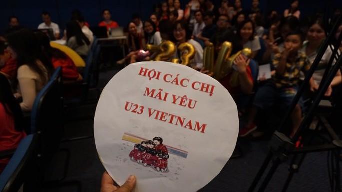 Giao lưu U23 Việt Nam: Xuân Trường bị CĐV đặt câu hỏi khó - Ảnh 9.
