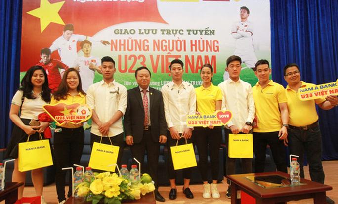 Giao lưu U23 Việt Nam: Xuân Trường bị CĐV đặt câu hỏi khó - Ảnh 25.