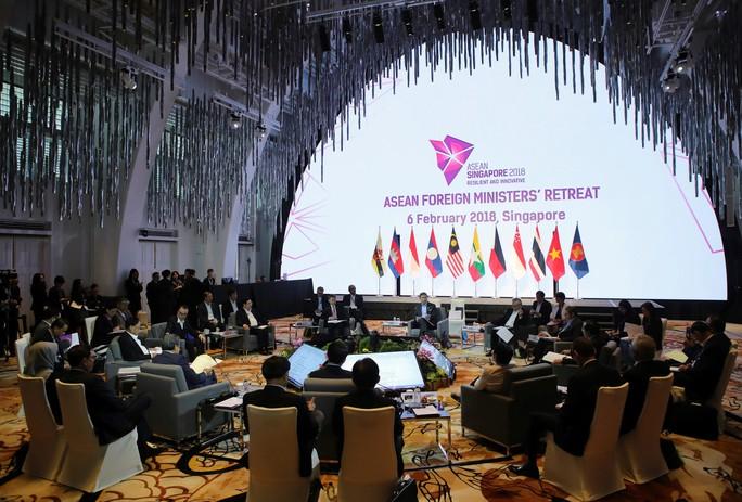 ASEAN lo ngại tình hình biển Đông - Ảnh 1.
