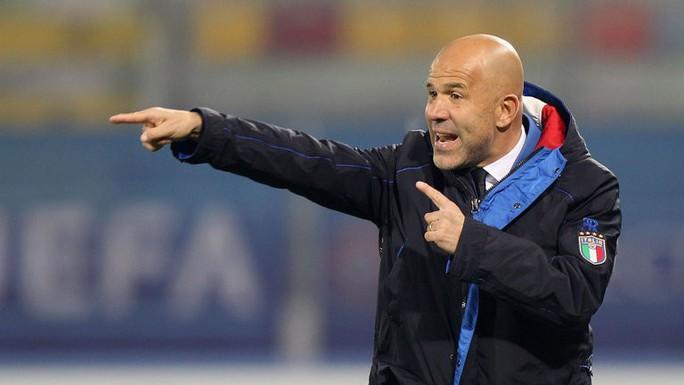 Cựu cầu thủ Inter và Roma ngồi ghế nóng tuyển Ý - Ảnh 2.